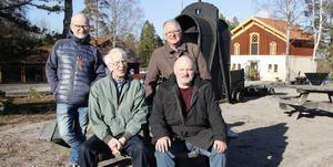 Tjalle Forsberg, Bo Svärd, Åke Johansson och Richard Meurman har alltid fascinerats av Sala och dess silvergruva. Nu vill de berätta historien för Salaborna.