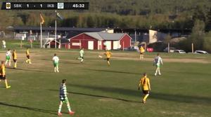 Lars Nilsson skickar iväg vad som med all sannolikhet kommer koras till årets mål i Jämtlands-fotbollen.