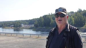 Arne Perming driver laxfisket i Bergeforsen tillsammans med sin hustru Kristina.
