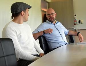 Jonas Westerling och Mikael Simons arbetar med att göra välgörenhetsmatchen för Tobias Forsberg till ett stort evenemang i Mora.