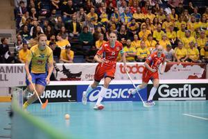 En svensk nyckelspelare i aktion. Emelie Wibron har gjort ett imponerande mästerskap så här långt. Foto: IFF