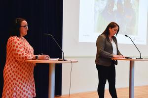Regionråden Mia Frisk (KD) och Rachel De Basso (S) under onsdagens pressträff om covid-19-läget i Region Jönköping.