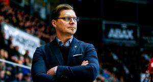 Björn Hellkvist pratade i Modo Channels livesändning om att det kan bli aktuellt att fylla på med en back till innan serien drar igång.