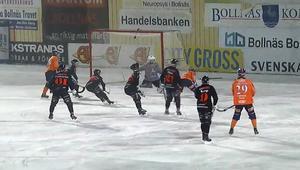 Tillberga kunde bara titta på när Hellmyrs var en gigant på Sävstaås. Här gör han 4–2 bakom ett uppgivet bortaförsvar.