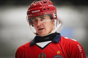 Storstjärnan Sergej Lomanov har hamnat på kollisionskurs med det ryska bandyförbundet då han menar att det måste bli ett slut på uppgjorda matcher i ligan.