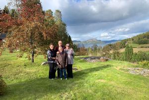 Ett trevligt och känslosamt möte med Britt Östman i Färnsvik som är släkt med Johan Sundin och Marilyn och Patricia från Minnesota i USA.