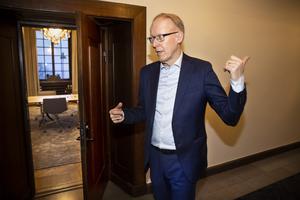 """""""Han sa att det var dags för mig att gå vidare. Då var det bara att ta över. Det var face mot face, och väldigt kort"""", säger Johan Söderström om när förre vd:n Sten Jakobssons ville ha Johan i den rollen."""