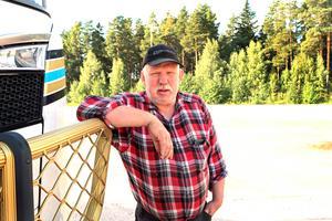 Robert Martinsson har fram till den 13 december på sig att hitta en ny uppställningsplats för sina 15 lastbilar.