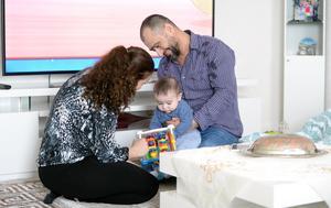 Derya hade fått två missfall och var livrädd för att förlora sin ofödde son. Nu leker de tryggt i lägenheten i Ånge och alla i familjen är fysiskt oskadda.
