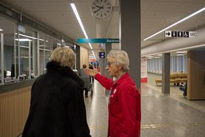 Ann-Marie Diser guidar patient.