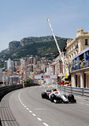Charles Leclerc är uppvuxen i Monaco och har gått upp och ner för de trånga gatorna många gånger. Nu får han även köra F1 i sina hemkvarter.