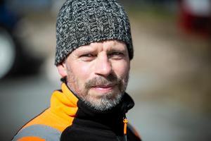 Magnus Rissveds bor nära översvämningarna men oroar sig inte nämnvärt.