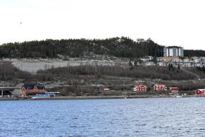 Mellan Saltmagasinet och gamla järnvägsstationen vill kommunen att det byggs bostäder.