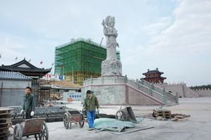 Bild: Katarina Lönnberg. 60 kineser arbetar vid Dragon Gate i Älvkarleby.