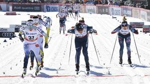 Ebba Andersson vinner spurten om fjärdeplatsen.Foto: Ulf Palm/TT