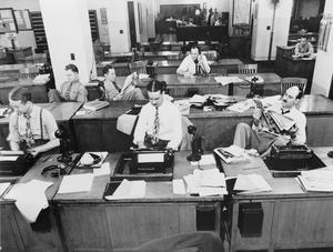 Nyhetsreportrar i arbete på New York Times 1942. Foto: Marjory Collins