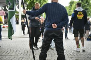 De ideologiska beröringspunkterna med nazistiska nordiska motståndsrörelsen NMR är uppenbara, skriver Olle Ludvigsson (S). På bilden: Nordiska motståndsrörelsen i Almedalen.
