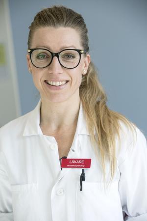Sara är Mödrahälsovårdsöverläkare i Dalarna med övergripande ansvar för utveckling och uppföljning av länets 26 barnmorskemottagningar. Hon är doktorand vid Karolinska institutet. Samt verksam som vanlig gynekolog på Kvinnokliniken i Falun och på ungdomsmottagningen i Falun.