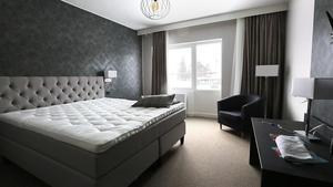 Ett första hotellrum är i princip klart, för uppvisning av hur det kommer att se ut på hotellet.
