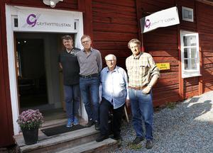 Grythyttelistan har för närvarade en lokal på torget i Grythyttan där de gärna diskuterar lokalpolitik med medborgarna. Sören Henrixon, Kjell Valegren, Erkki Vuorijärvi och Sture Beckman.