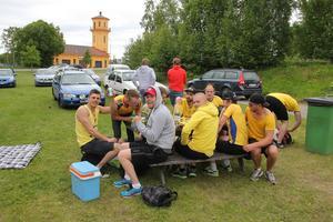 Team Gäfvert diskuterade matchstrategin.