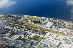 Här på Bangårdsgatan närmast järnvägen vill Magnolia bygga 310 nya bostäder, men de får inga statliga subventioner. Ansökan kom in för sent. Bilden är en skiss där huskropparna i mitten är de planerade  nya bostadskvarteren.