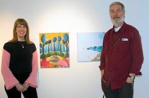 Pia Niemi och Anders Suneson, två av barnbokskonstnärerna i utställningen