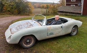 En  synnerligen ovanlig kombination i Börje Johansson samlingar är den  VW från 1960  där  originalkarossen  lyfts åt sidan till förmån för en öppen plastkaross  av modell Carina.