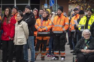 Emelie Bäckman och Simon Forsberg var två av de som fanns på plats på torget.