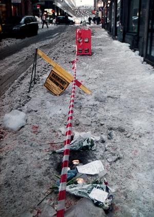 Foto: TT Nyhetsbyrån.Det var mitt på den intensiva Drottninggatan i Stockholm som olyckan skedde.
