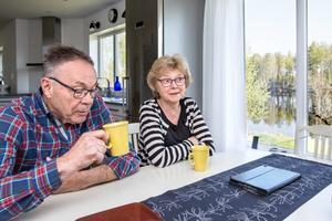 Det krävdes en del funderande för att knäcka planlösningen och förvandla två radhus till ett sommarhus, berättar Ulf och Berit.
