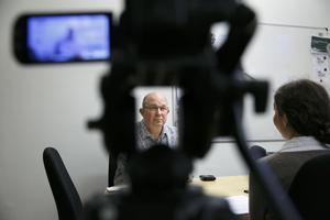 Mats Nilsson (S) kommunalråd i Säter, svarar på reporterns frågor om Prästgärdet.
