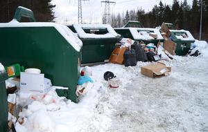 Överfulla återvinningsstationer är en vanlig syn runt om i länet.