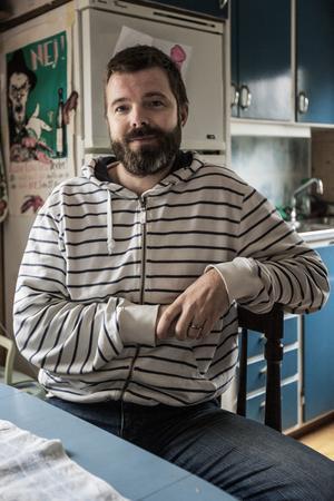 Jimmy Wiltfalk spenderade sina sommarlovsdagar på Singö som barn. Nu har han blivit utnämnd till havsambassadör av Nordic Ocean Watch, med Singö som ansvarsområde.