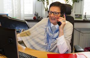 Britt-Louise Nyholm jobbar mycket med föräldrastöd och information till föräldrar på föräldramöten och många hör av sig med frågor till henne.