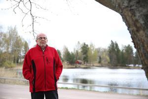 Leif Bladh tycker att Smedjebackens kommun bör byta namn.