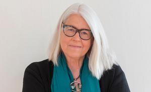 Ulrika Knutson läser om