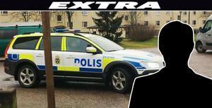 Polisen samlades under torsdagen utanför bostaden i Hallstahammar där man under onsdagen hittade en man i 30-årsåldern avliden.