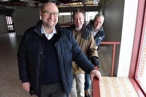 Peter Hedlund, kontorschef i Mora, Anders Grånäs, vd Dalarnas Försäkringsbolag och Roger Andersson, fastighetschef som ansvarar för renoveringen av den nya, men gamla, lokalen.
