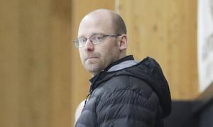Erik Sjödin, en av tränarna för årets TV-pucklag i Hälsingland. Nästa helg väntar allvaret och kval i Östersund.