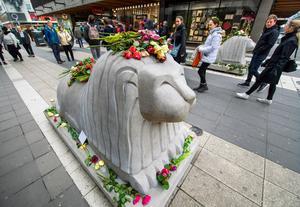 Rädslan sprider sig i samhället, bland annat för terrorattentat som det på Drottninggatan i Stockholm. Bild: TT