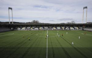 Avspark mellan Häcken och Utsikten under en match i slutet av mars.