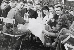 Toije Eriksson längst till höger i bild, tillsammans med övriga klubbmedlemmar.