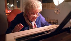 Vid fyllda 70 har Siv Wennberg fortfarande många beundrare bland dem som minns hennes rollprestationer - och bland en yngre generation som gillar hennes starka åsikter och färgstarka personlighet.