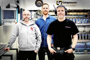 Företagets vd Carl Geijer, i mitten, flankerade av Stefan Cederberg och Patrik Söderlund. Foto: Emma Simonsson