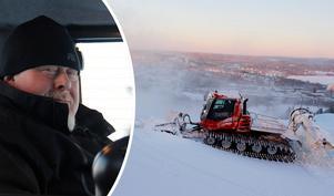 Roger Höglund har spenderat många timmar i Skönviksbacken men nu är det slut. Han orkar inte fortsätta på det här sättet längre och kommunen måste hitta en lösning för att utförsåkningen ska kunna fortsätta.