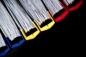 För långsiktig konkurrenskraft måste en aldrig sinande ström av pappersarbete minskas, skriver Jörgen Warborn. Foto: Jessica Gow / TT.