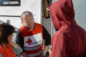 En av alla de volontärer som kan ta åt sig äran för utmärkelsen Årets svensk 2015, Stefan Svensson, Röda korset.