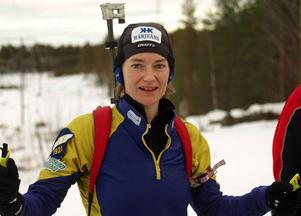 """""""Klart man skulle vilja vara med i Oberhof, men det känns bra att vara hemma och träna efter förkylningen istället"""", menade Anna Carin Olofsson-Zidek.  Foto: Leif Eriksson"""