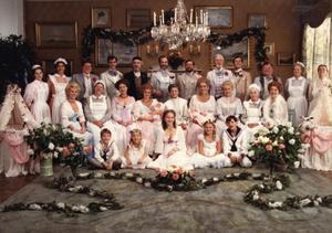 """Ursprunget. Alla juldramers farmor är """"Fanny och Alexander"""", som inte bara visats i tv under julen flera gånger utan också bidragit till att forma den svenska synen på en släktjul med extra allt."""